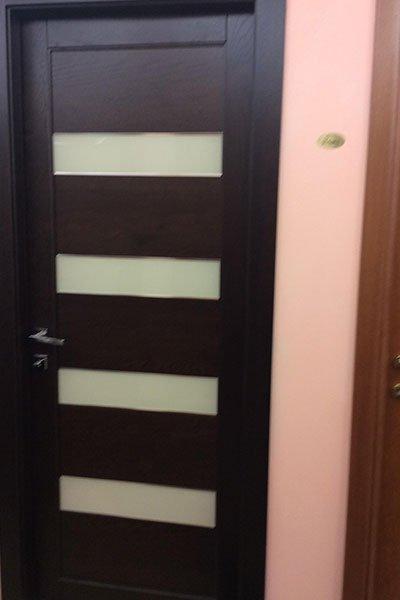 Porte in legno a due colori