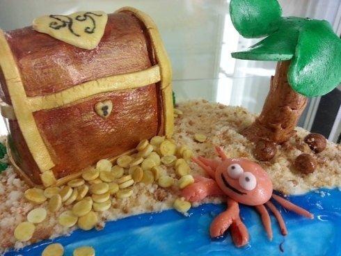 torta raffigurante con fondo marino
