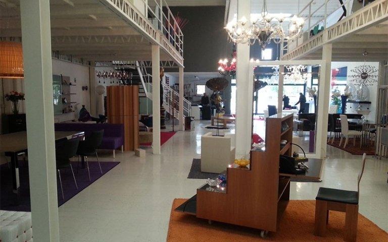 Atelier bari atelier themis arredamenti for Grande arredo mobili bari