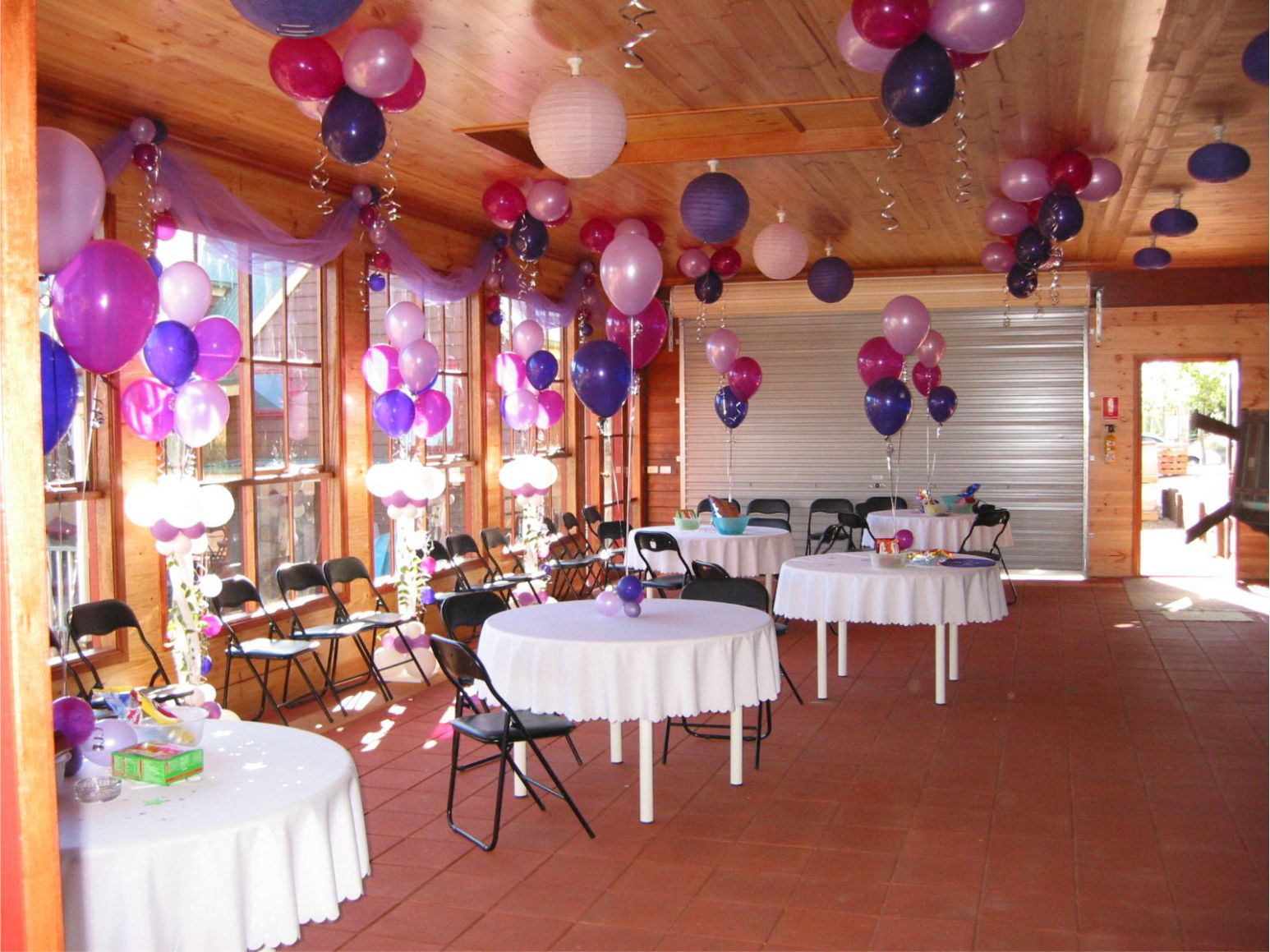 Custom balloon decorations melbourne balloon d cor for Home decorations melbourne
