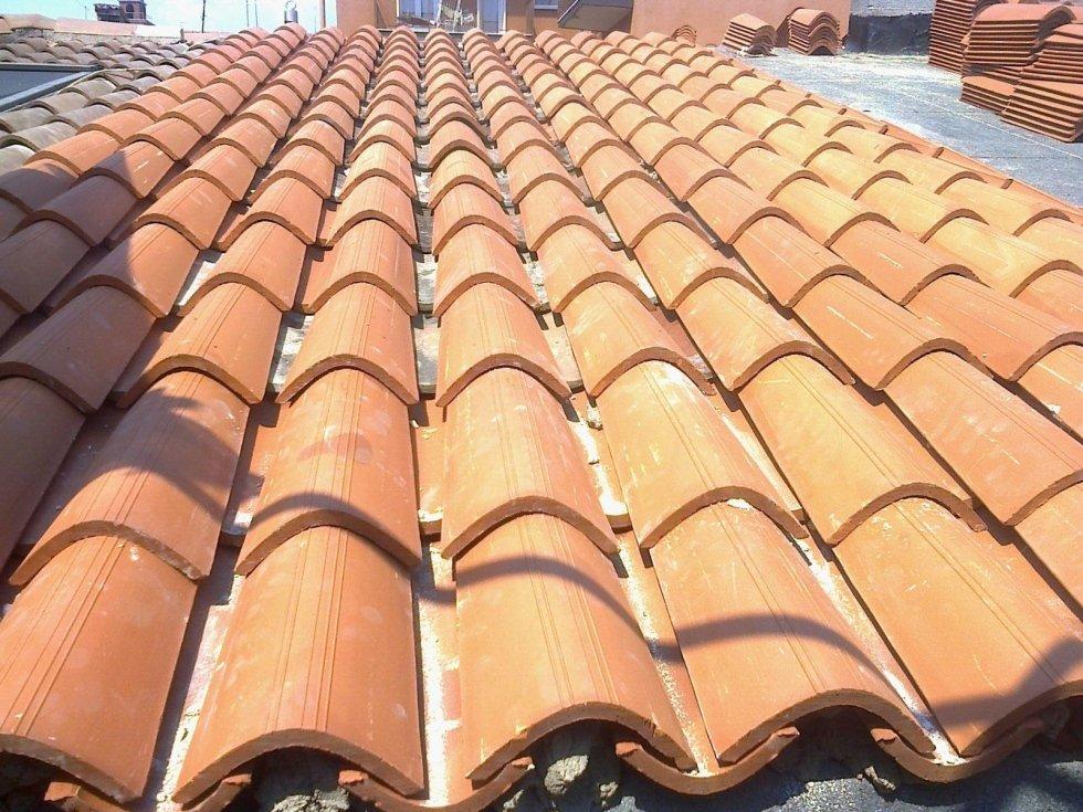 rifacimento tetti con nuove tegole
