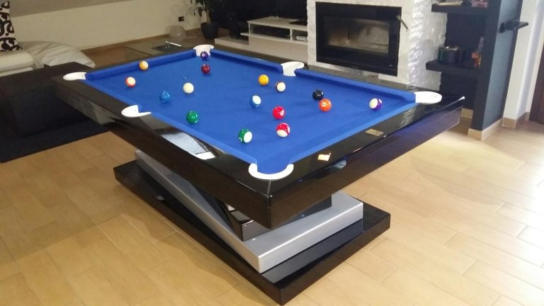 tavolo da biliardo con palle