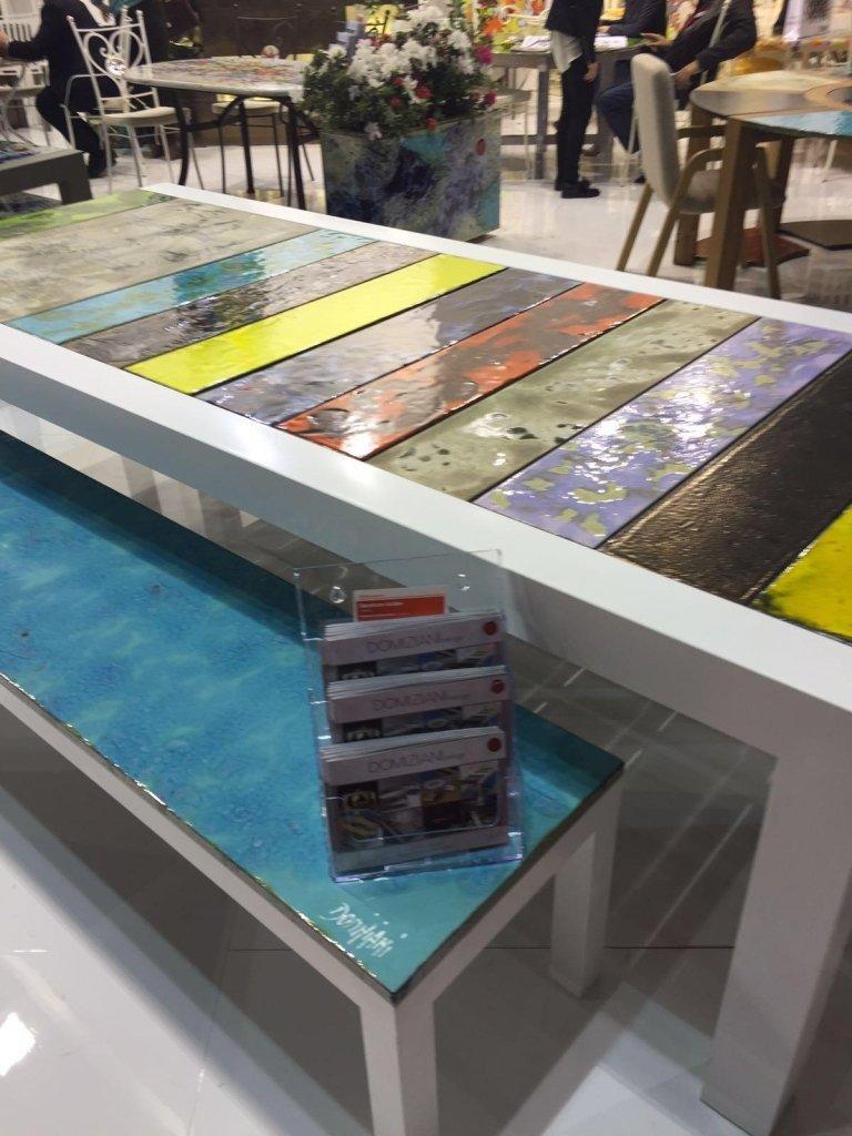 tavolo con pannelli campione