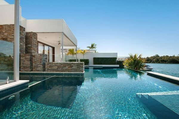 Sundollar Fully Tiles Pools in Gold Coast