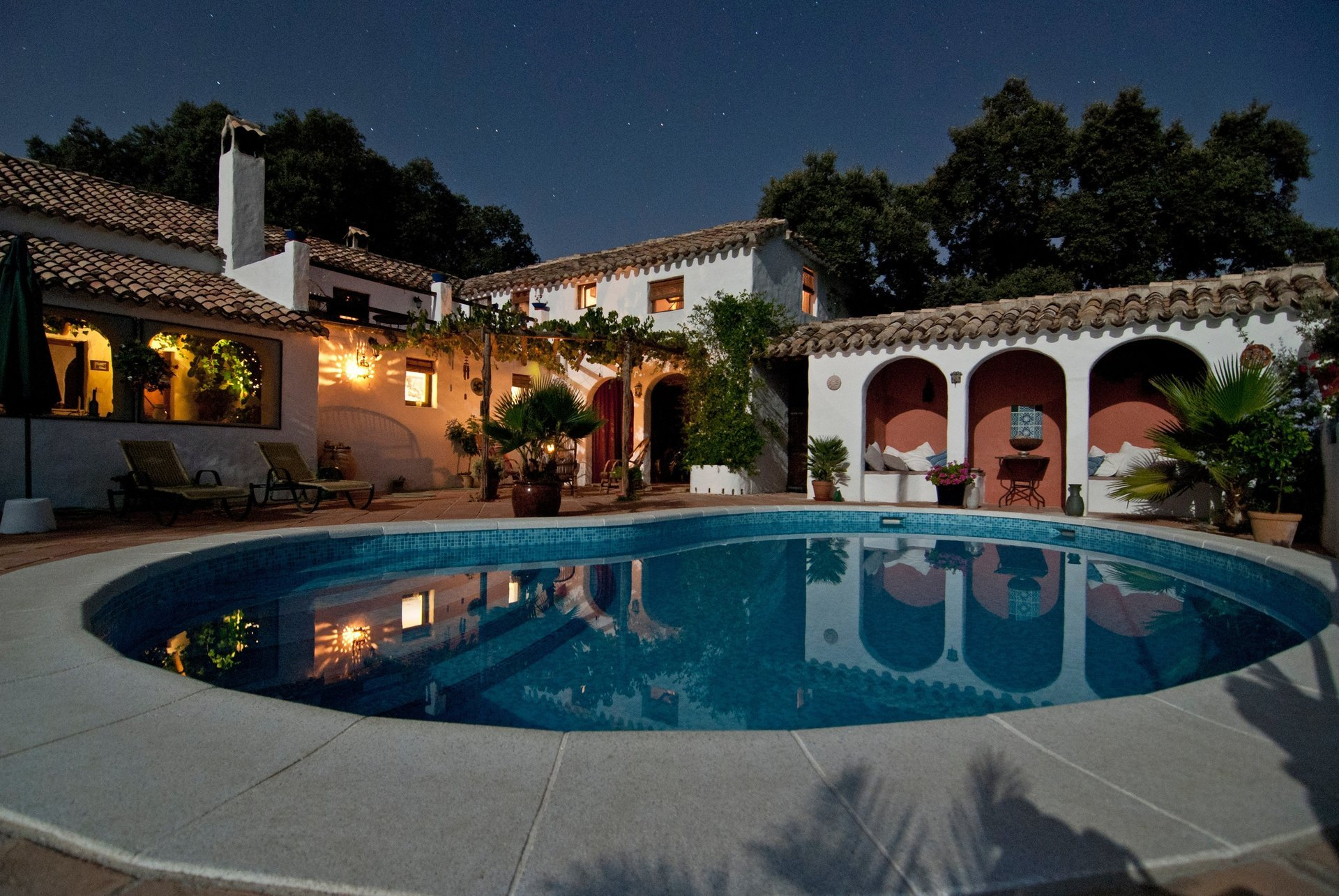 Swimming Pool By Vita Vilcina on unsplash.com for Sundollar Pool Builder's blog post