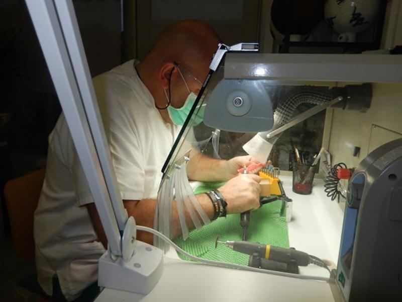 laboratorio odontotecnico genova