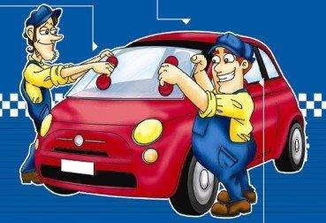 due uomini che lavano la macchina
