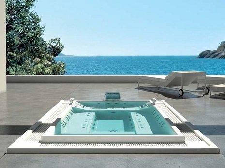 piscina all'estero