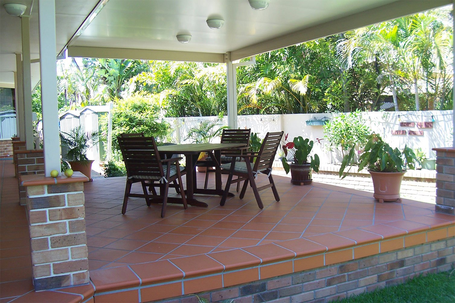 Feel cool even in the afternoon with wonderful Insulated patio in Gold Coast