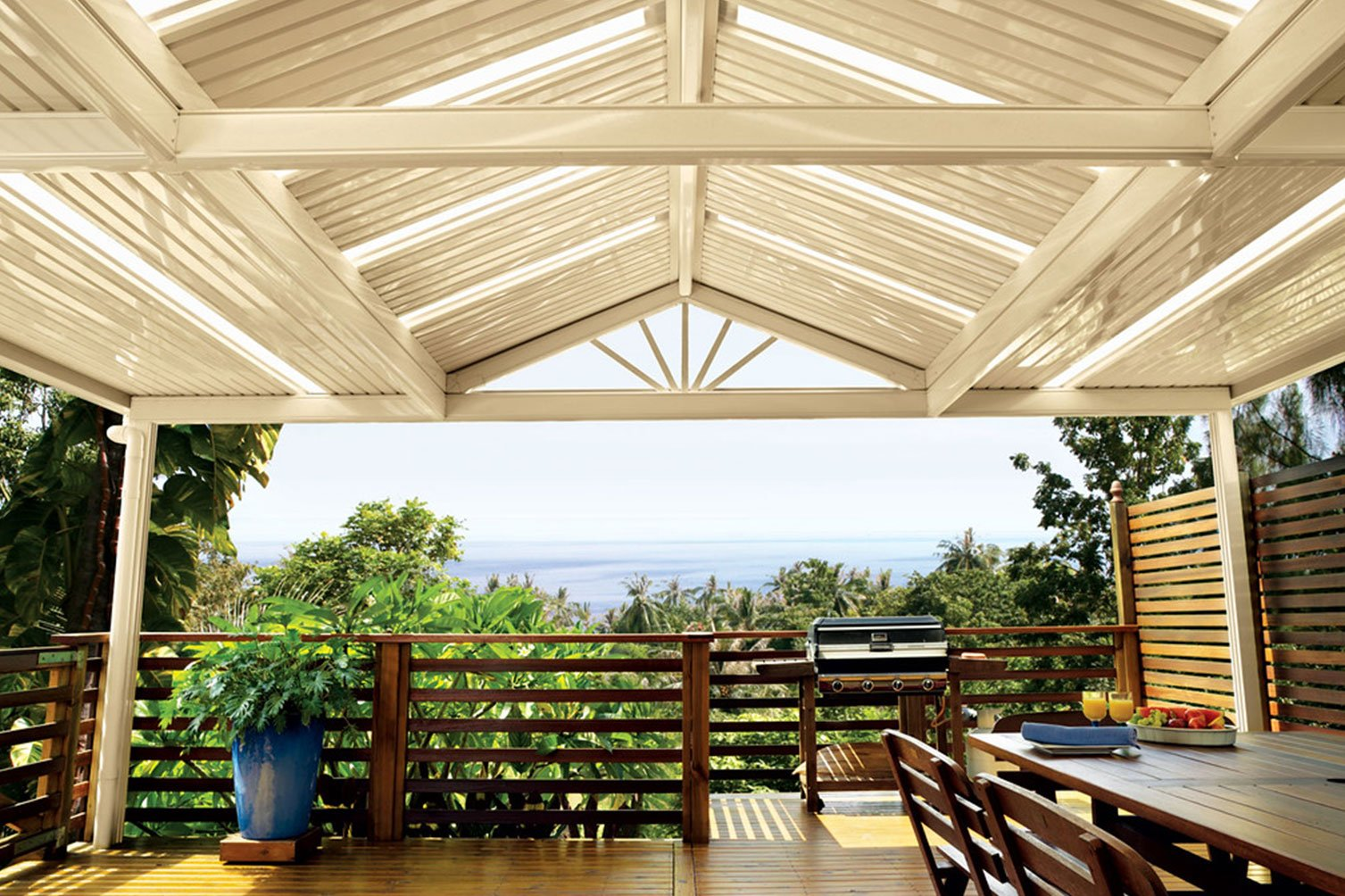 Wonderful roof patio in Byron Bay facing an excellent view of nature