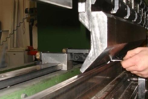 piegatura lastra di ferro