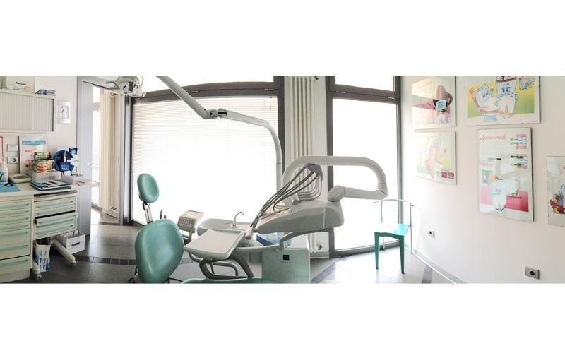 Pulizia dei denti Modena