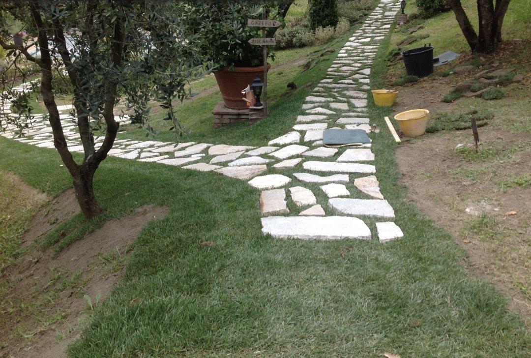 Manutenzione aree verdi lucca il cerchio verde for Progettazione giardini lucca