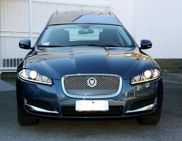 Carro funebre Jaguar