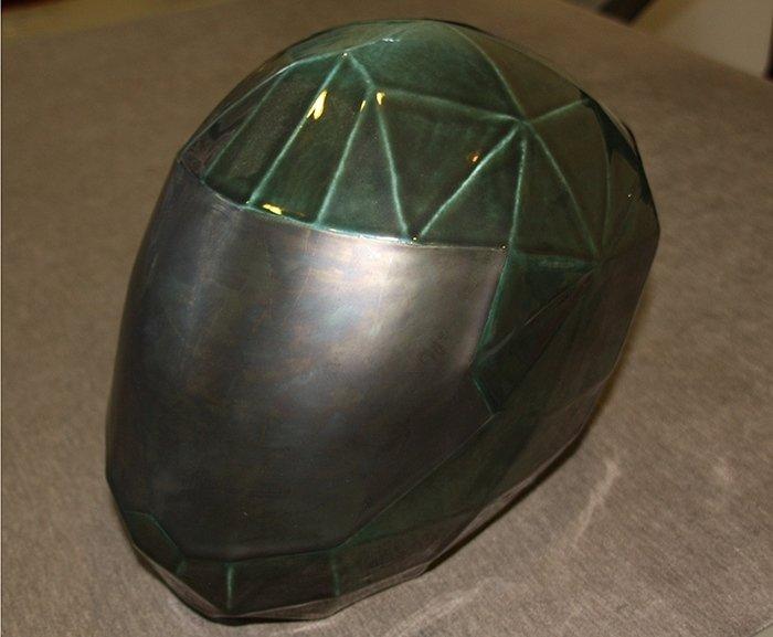 Urne a forma di casco
