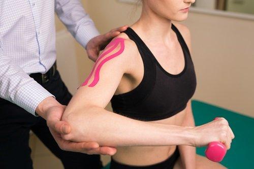 paziente durante sessione di riabilitazione