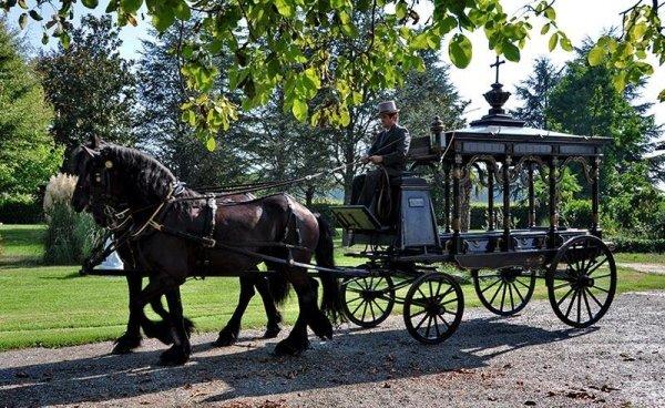 Funerale a cavallo