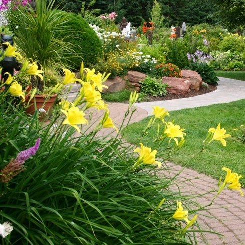 Landscaping design and installation in St. Charles MO