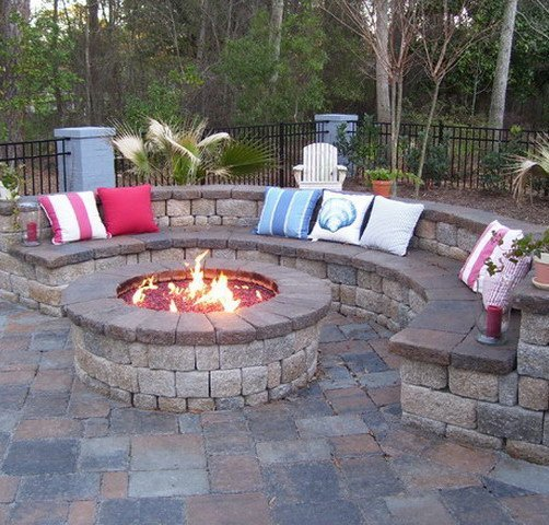 For beautifully designed retaining walls and patios in St Charles and ...