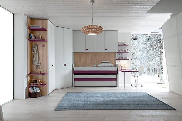 camera con tappeto blu centrale