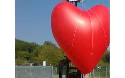 cuore gigante gonfiabile