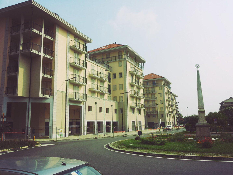 vari palazzi di recente costruzione