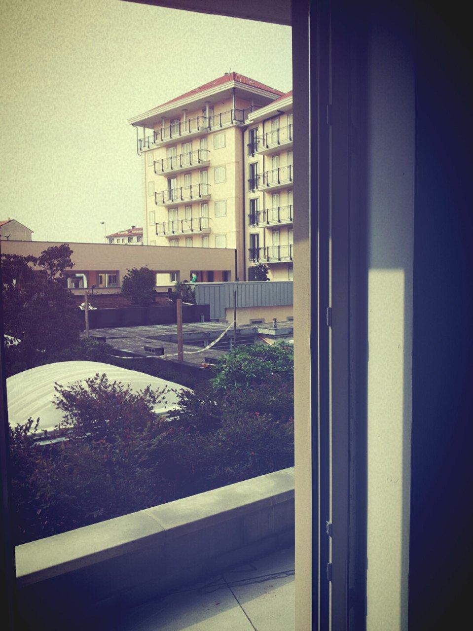 foto finestra con affaccio su giardino