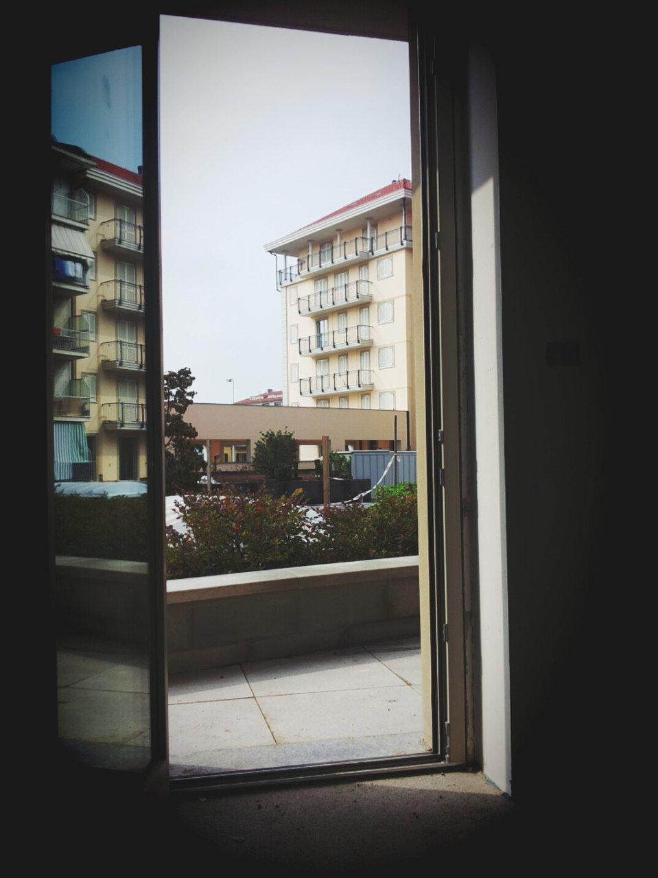 foto finestra di un appartamento