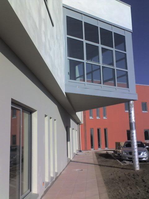 balcone chiuso di uno stabile
