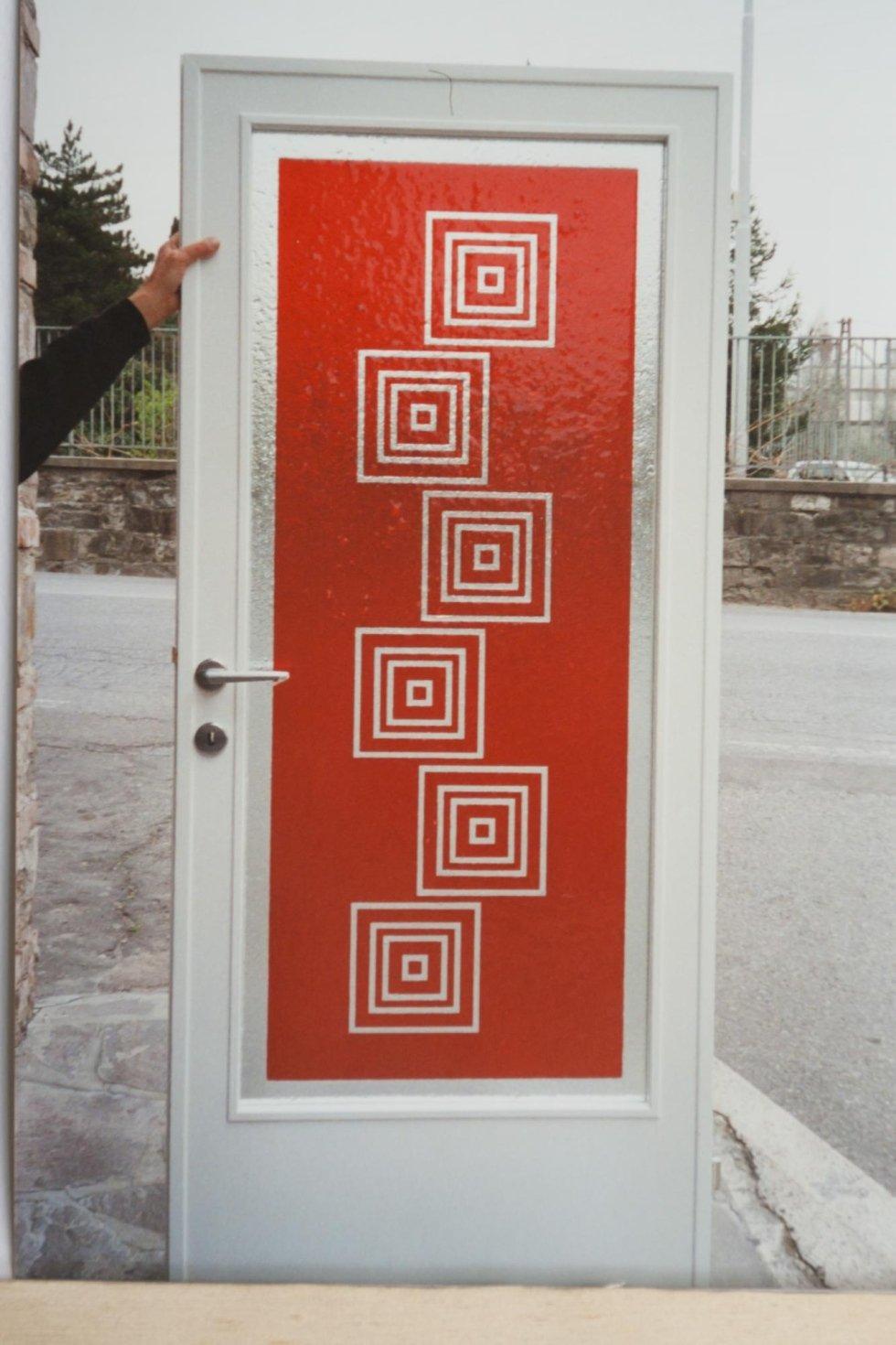Porta in legno bianco con vetro lavorato e dipinto