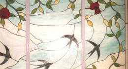 Vetrata rilegata in piombo, vetro anticato, vetro decorato a fuoco, vetro sabbiato