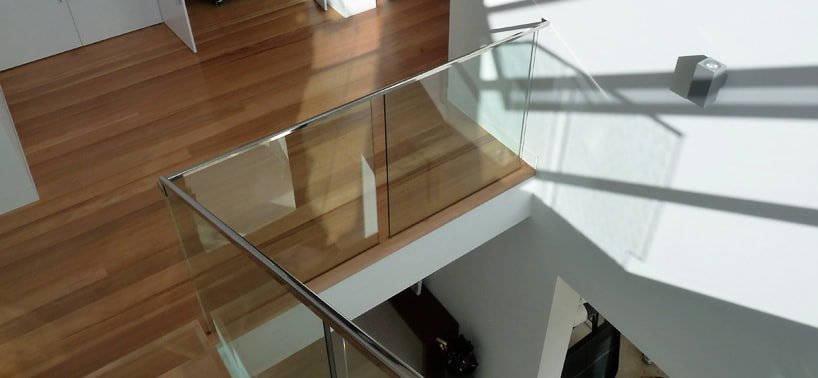 Stainless steel channel handrail