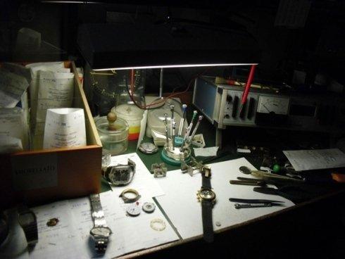 laboratorio orafo, incisoria, targhe campanelli, fotoincisioni, riparazioni gioielli