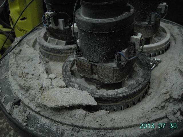 pulizia di un'elettropompa dal calacare