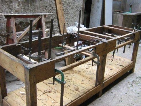 una lavorazione in legno