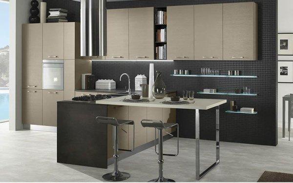 Cucina con penisola - Emi arredamenti - Savona