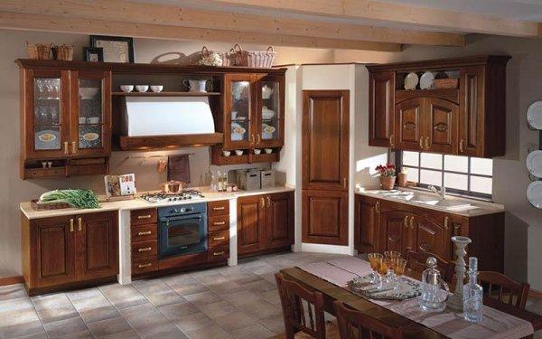 Cucine classiche in legno - Emi arredamenti - Savona