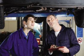 car-mechanic-services-reading-berkshire-pl-auto-services-car-mechanic.jpg