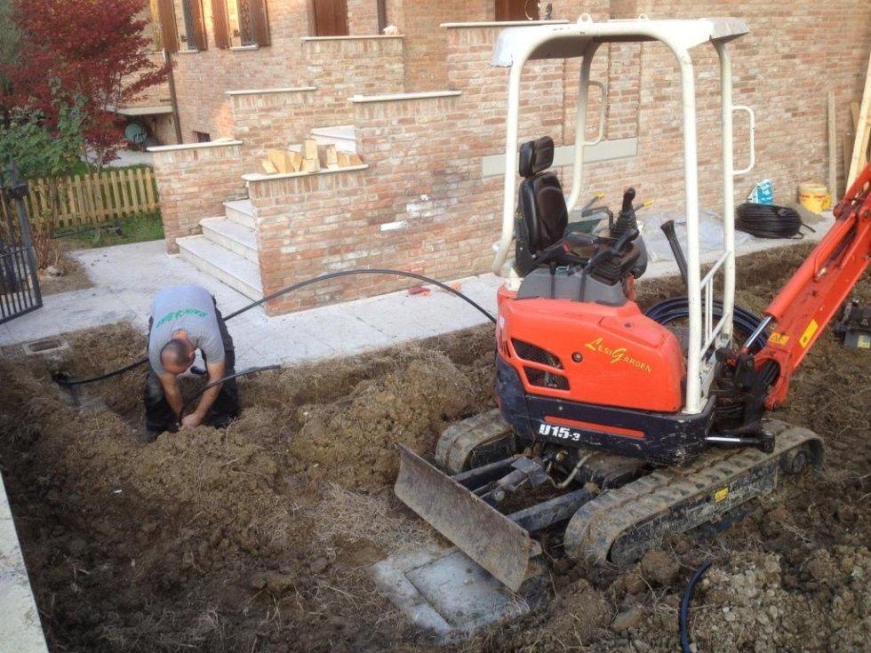 Innesto degli irrigatori alle tubazioni.