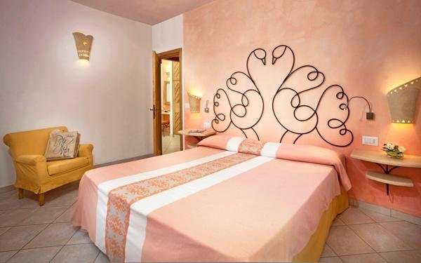 hotel le sabine suite badesi