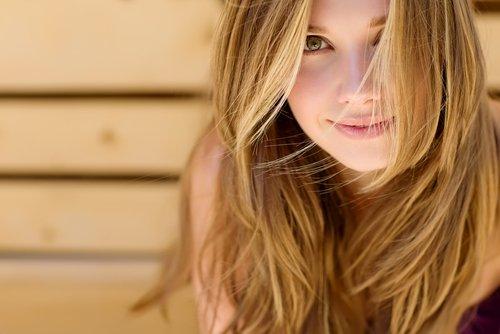 viso di donna dermatologicamente perfetto