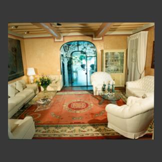 Importante salotto con doppia zona seduta