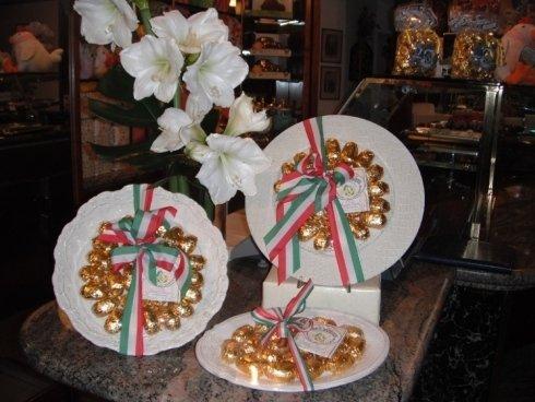 confezione regalo con piatto