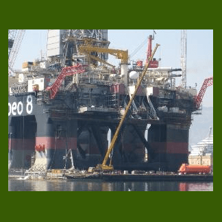 Grù per lavori su piattaforma petrolifera
