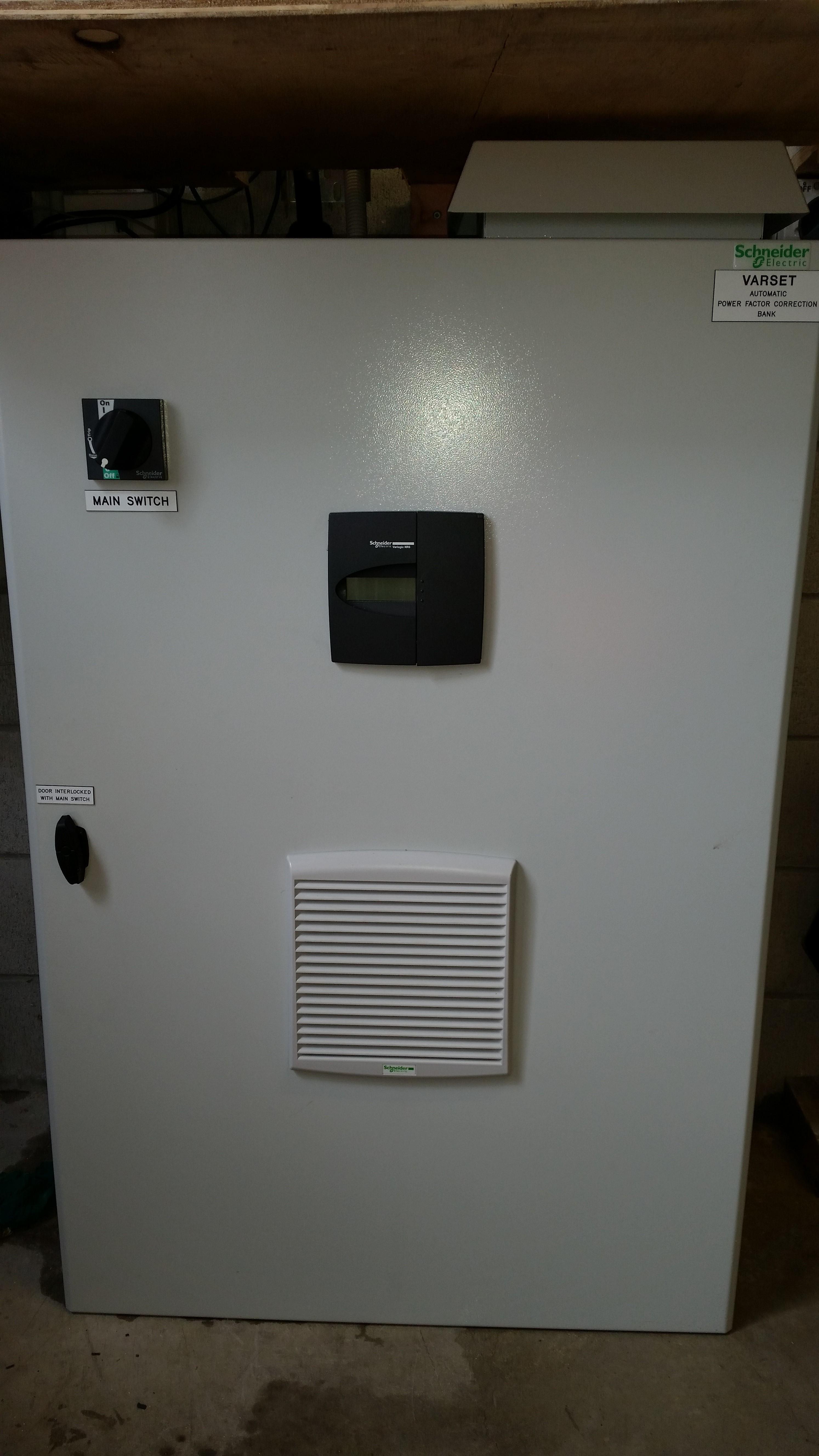 Automatic power factor correction bank