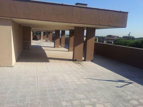 un porticato su un tetto