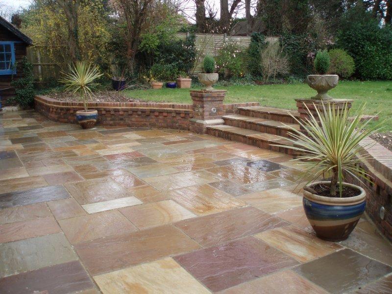 garden area natural stone paving
