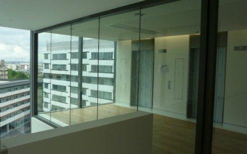 installazione vetri separatori per uffici