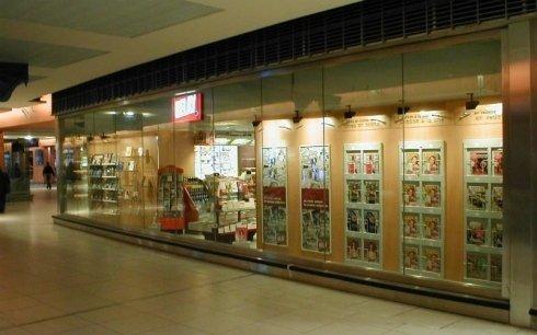 realizzazione vetrine Gare Nord Cloison
