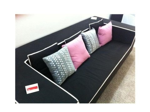 divano nero Berloni